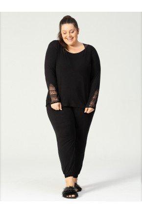 pijama plus size em modal preto frente